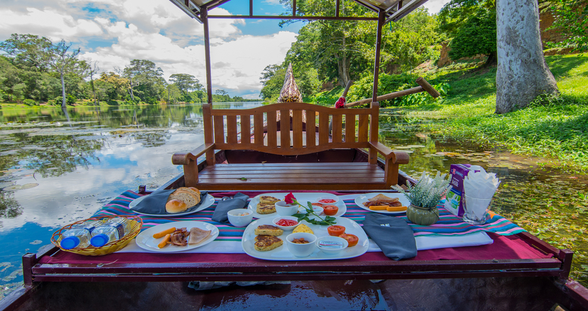 Private Sunrise Angkor Wat and Champagne Breakfast