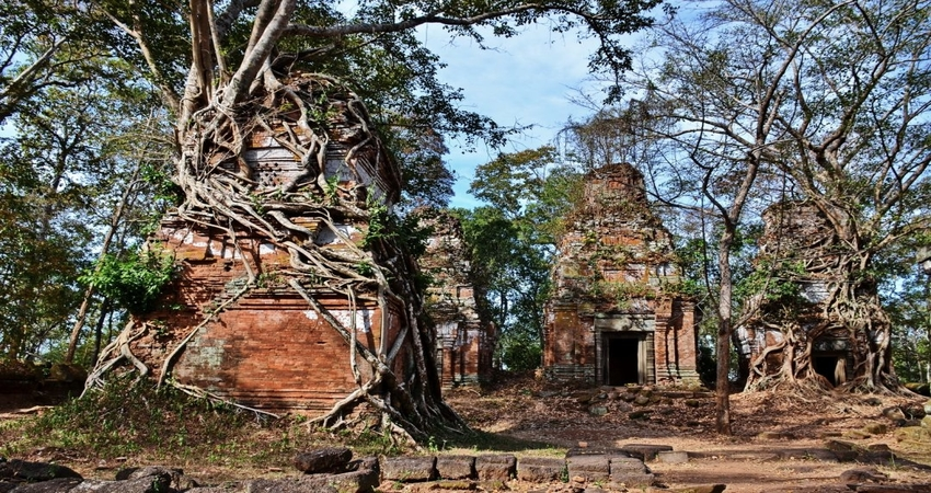 Full Day Koh Ker & Beng Mealea Temple (Jungle Temple)
